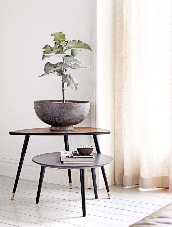 airy-minimalist-house-full-of-vintage-finds-and-greenery-6