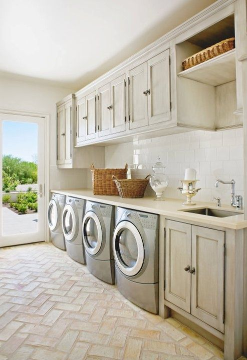 creative-laundry-spaces-you-should-have-a-look-at-15