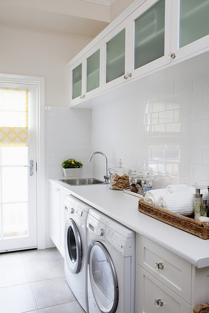 creative-laundry-spaces-you-should-have-a-look-at-20
