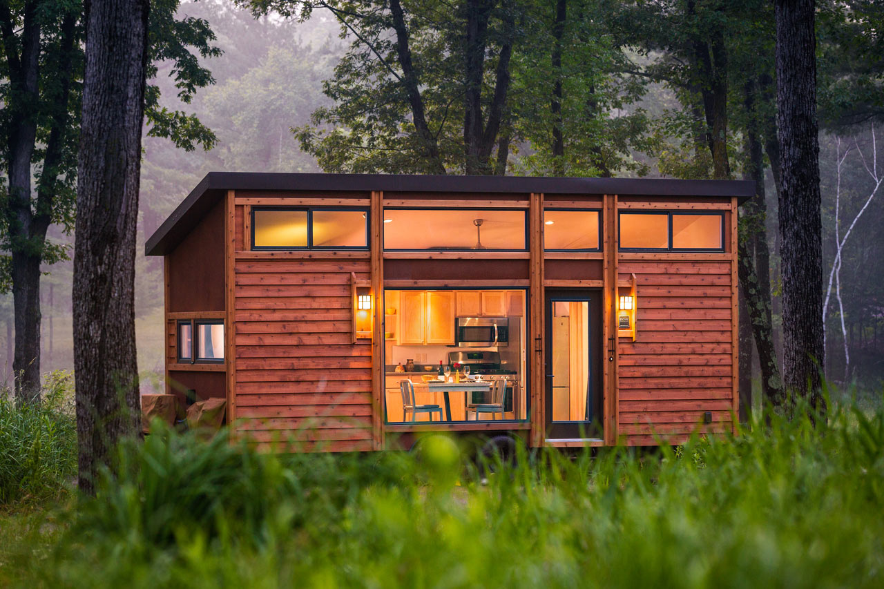 escape-traveler-fully-equipped-269-square-foot-cottage-1