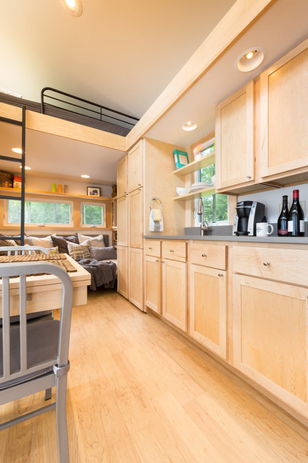escape-traveler-fully-equipped-269-square-foot-cottage-5