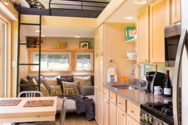 escape-traveler-fully-equipped-269-square-foot-cottage-6