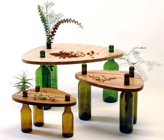 side-tables-from-reused-bottles-and-wooden-tops-1