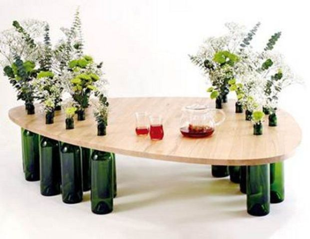side-tables-from-reused-bottles-and-wooden-tops-3