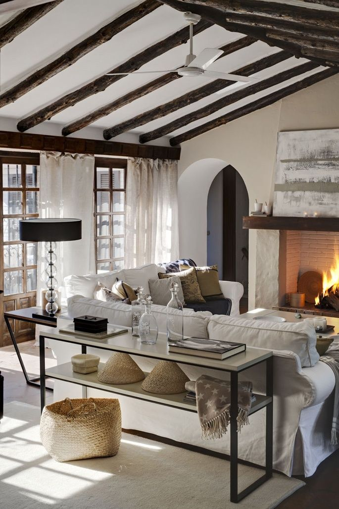 smart-ways-to-mix-a-sofa-with-tables-and-chairs-26