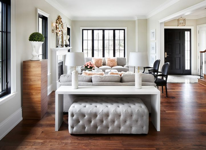 smart-ways-to-mix-a-sofa-with-tables-and-chairs-9