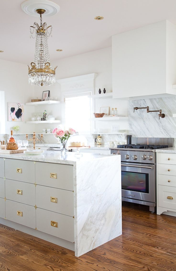 beautiful-glam-kitchen-design-ideas-to-try-11