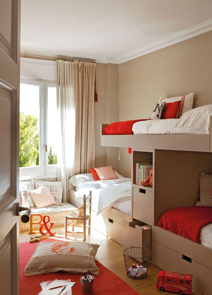cool-and-practical-bunk-beds-for-more-than-two-kids-11