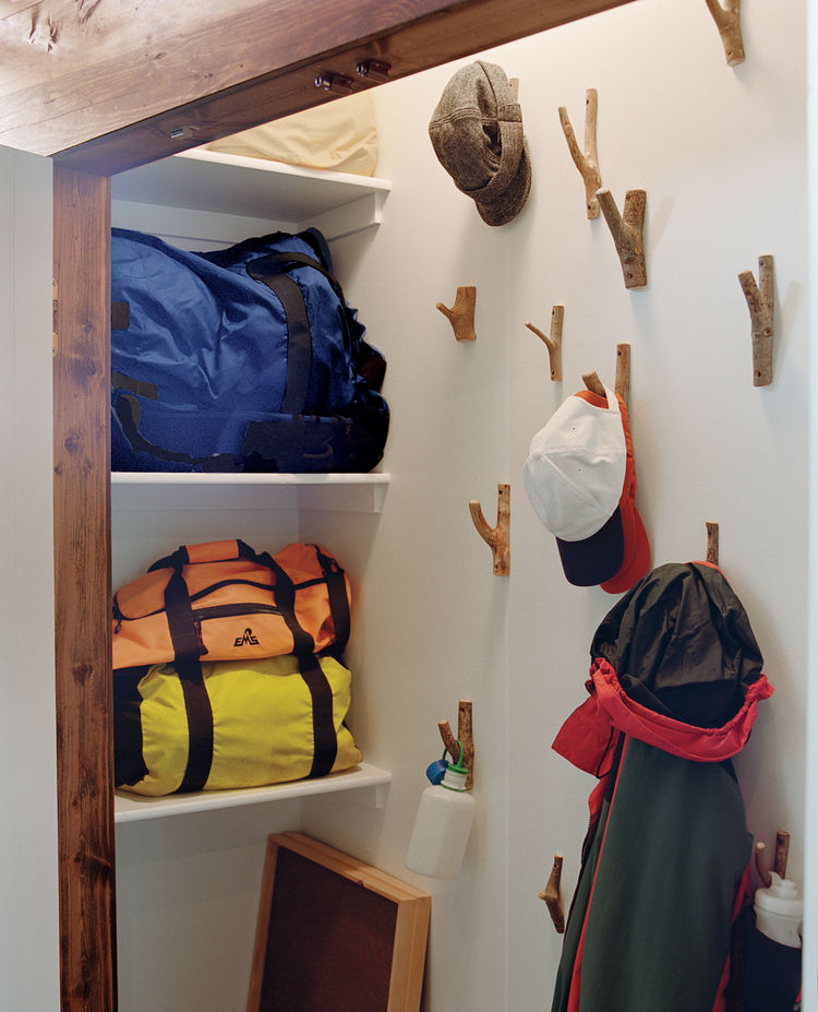 creative-clothes-storage-solutions-for-small-spaces-3