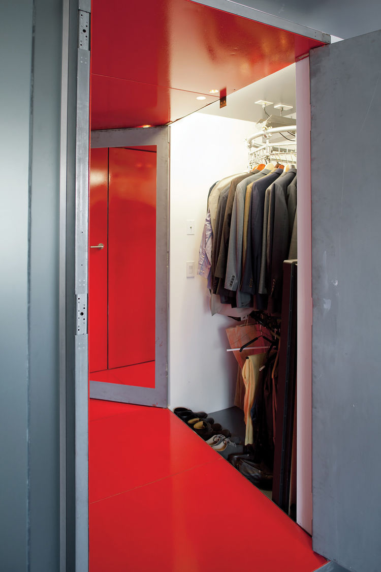 creative-clothes-storage-solutions-for-small-spaces-5