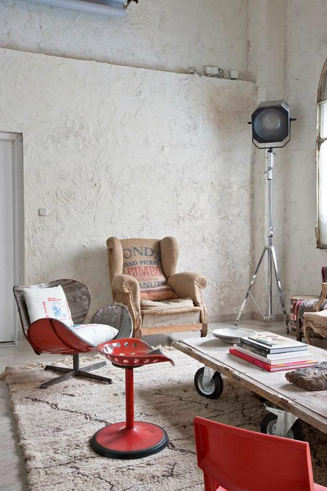 eclectic-white-loft-with-artistic-influence-in-design-3
