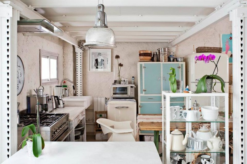 eclectic-white-loft-with-artistic-influence-in-design-7