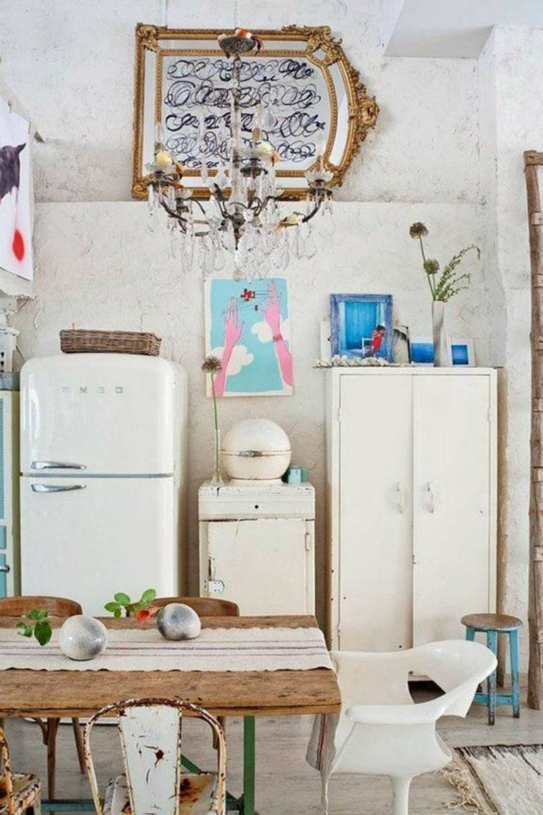 eclectic-white-loft-with-artistic-influence-in-design-8