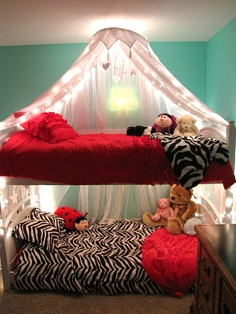 functional-kids-bunk-beds-with-lights-12