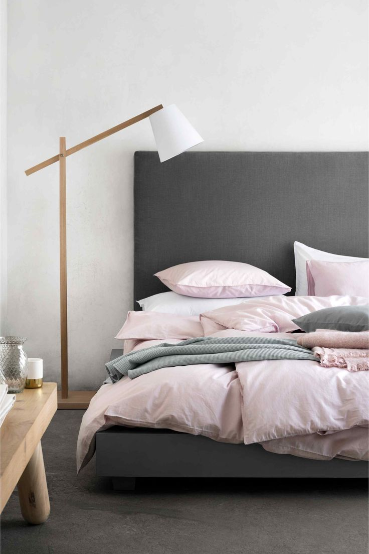 metallic-grey-and-bold-pink-home-decor-ideas-11