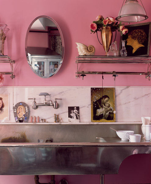metallic-grey-and-bold-pink-home-decor-ideas-5