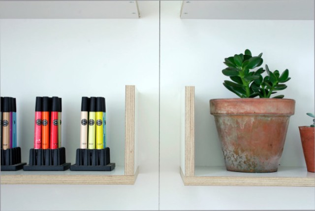modular-cv-shelving-system-that-can-be-personalized-4