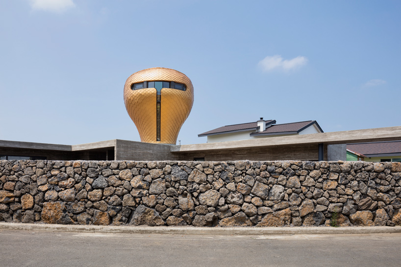 moon-hoon-wind-house-duck-hairdryer-volcanic-jeju-island-south-korea-designboom-05