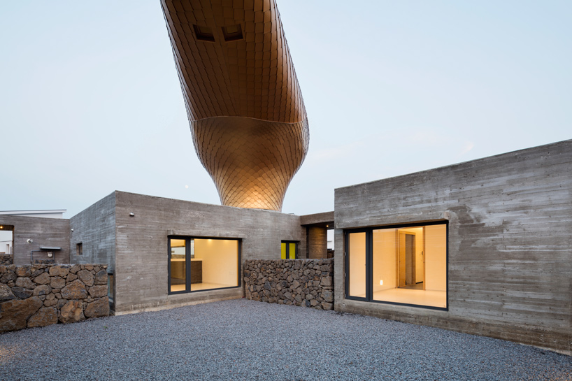 moon-hoon-wind-house-duck-hairdryer-volcanic-jeju-island-south-korea-designboom-06