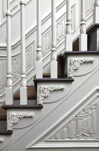refined-ways-to-use-molding-in-your-home-decor-1