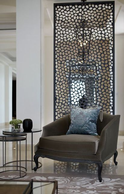 ways-to-incorporate-antique-chairs-into-modern-decor-10