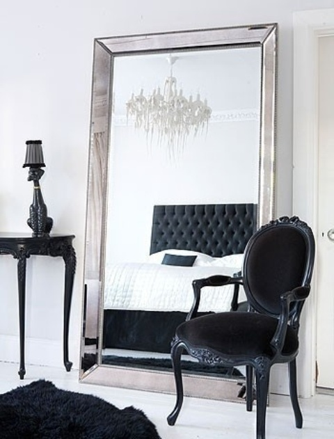 ways-to-incorporate-antique-chairs-into-modern-decor-19