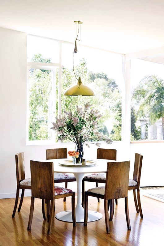 ways-to-incorporate-antique-chairs-into-modern-decor-5