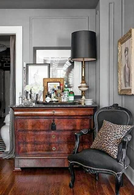 ways-to-incorporate-antique-chairs-into-modern-decor-6