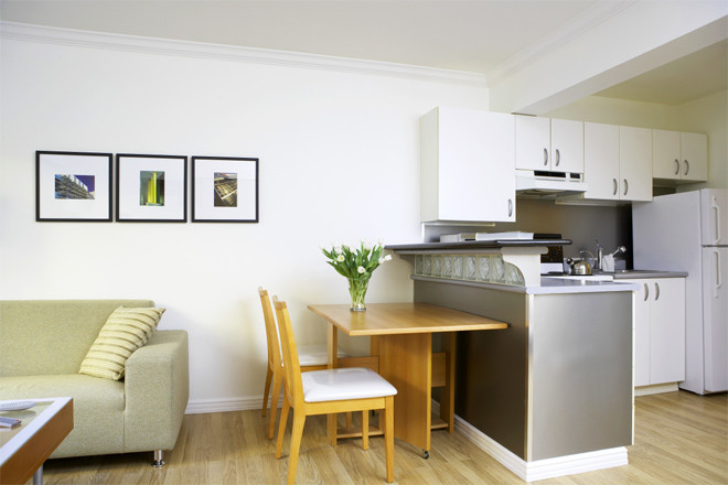 7-smart-tips-to-visually-expand-a-small-room-3
