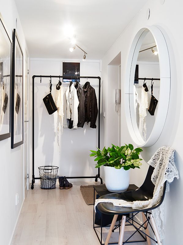 7-smart-tips-to-visually-expand-a-small-room-9