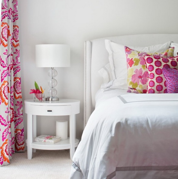 8-practical-tips-to-visually-expand-a-small-bedroom-16