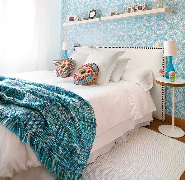 8-practical-tips-to-visually-expand-a-small-bedroom-17