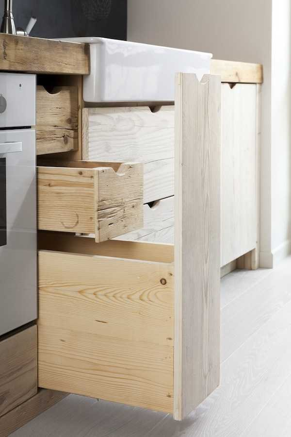beautiful-black-and-white-wooden-kitchen-design-4