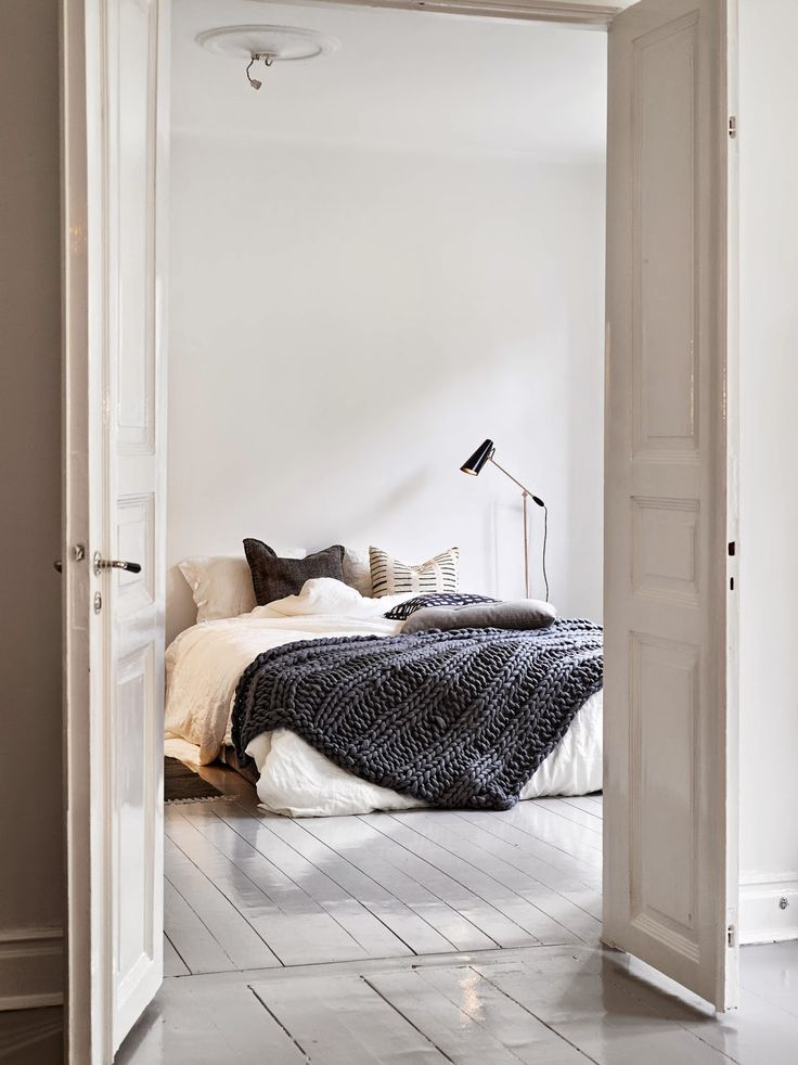 how-to-make-your-bedroom-relaxing-7-tips-and-examples-17
