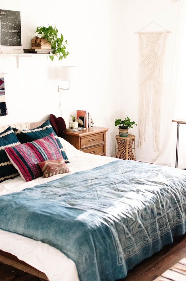 how-to-make-your-bedroom-relaxing-7-tips-and-examples-6