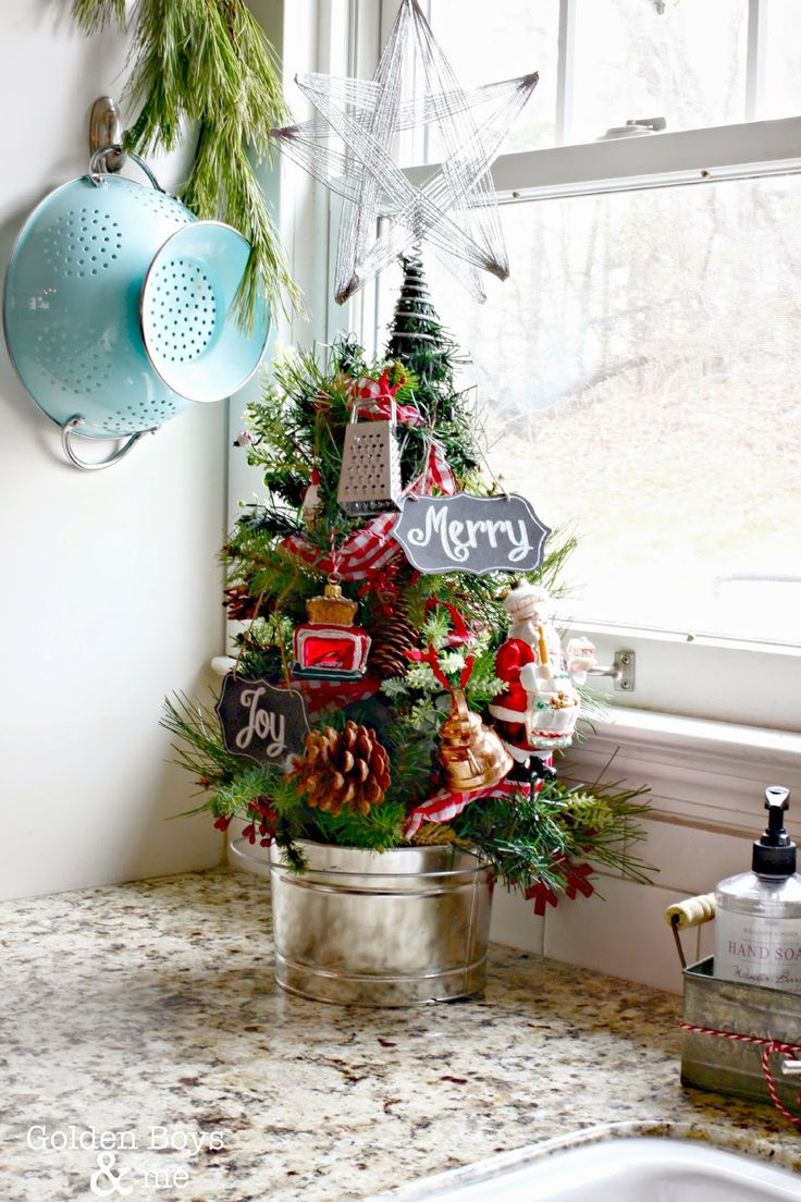 how-to-spruce-up-your-kitchen-for-winter-ideas-26