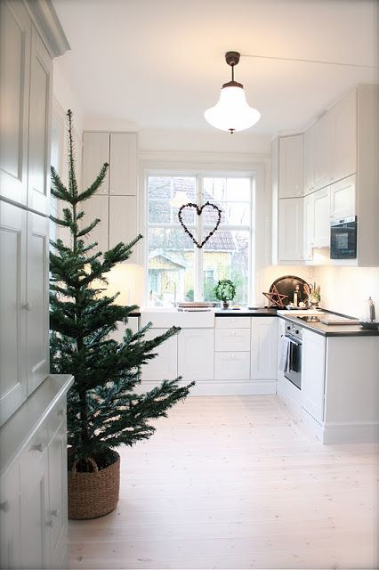 how-to-spruce-up-your-kitchen-for-winter-ideas-3