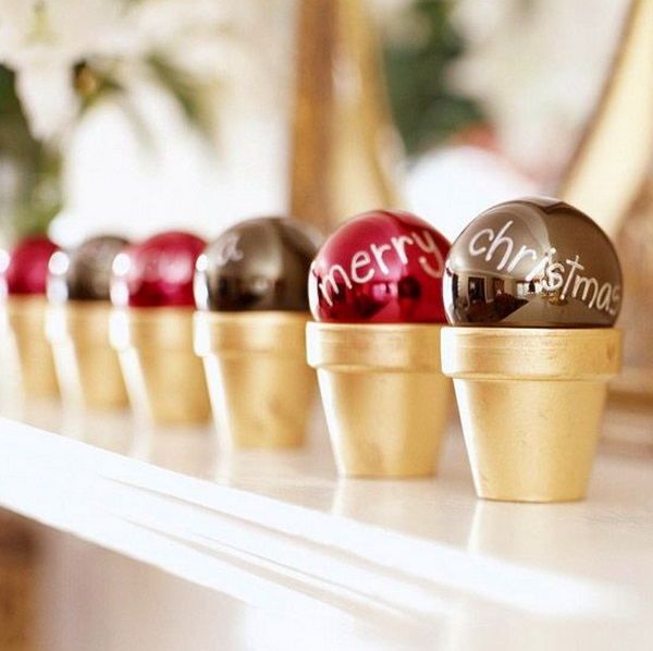 how-to-use-christmas-ornaments-in-home-decor-ideas-15