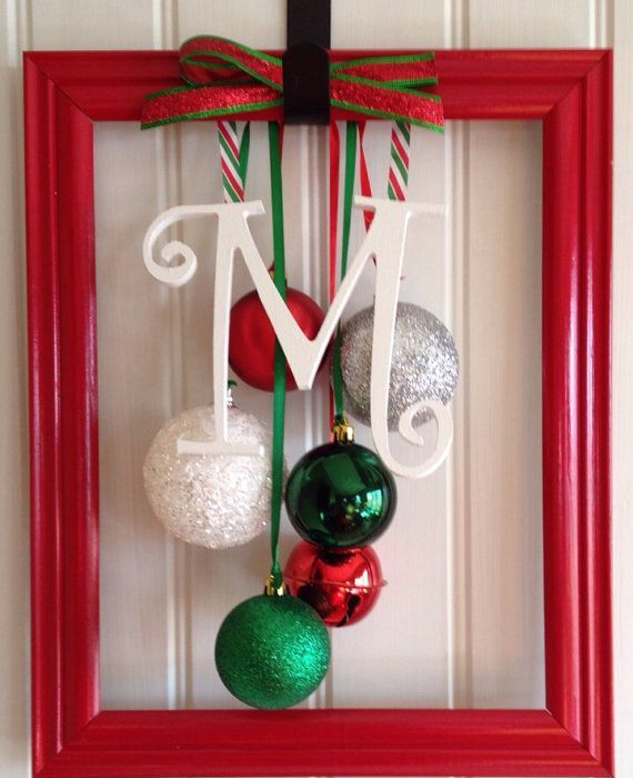 how-to-use-christmas-ornaments-in-home-decor-ideas-24