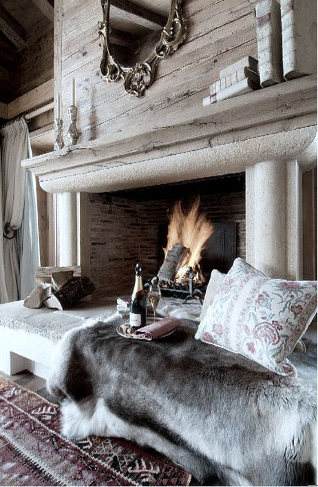 incredibly-cozy-fireplace-nooks-to-curl-in-15