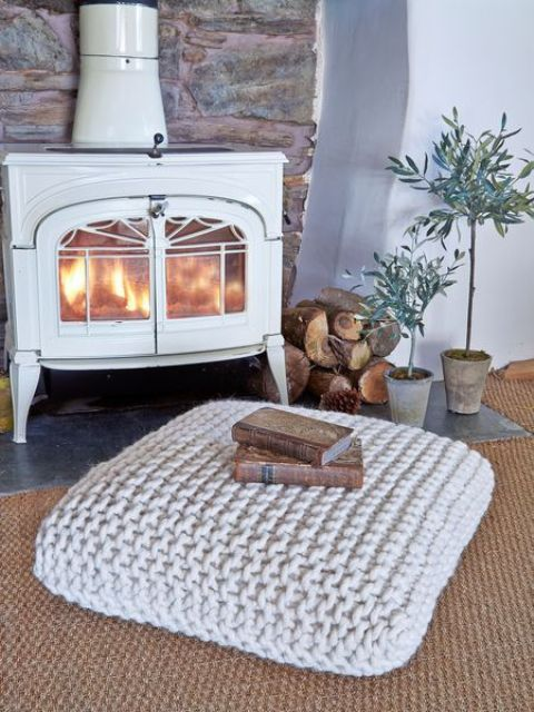 incredibly-cozy-fireplace-nooks-to-curl-in-18