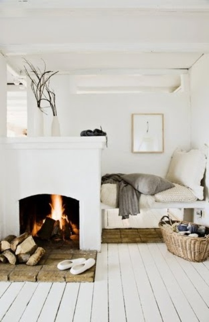 incredibly-cozy-fireplace-nooks-to-curl-in-5