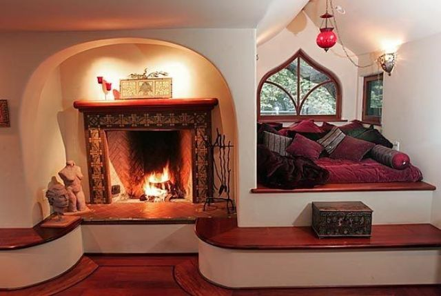 incredibly-cozy-fireplace-nooks-to-curl-in-7