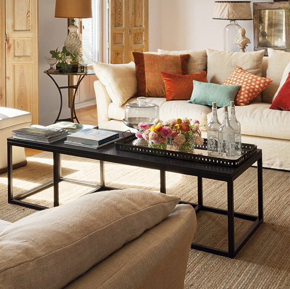 stylish-and-practical-coffee-table-decor-ideas-13