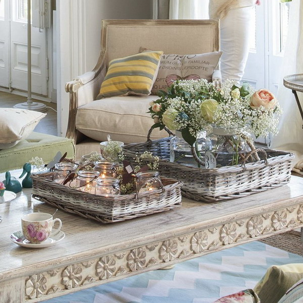 stylish-and-practical-coffee-table-decor-ideas-15