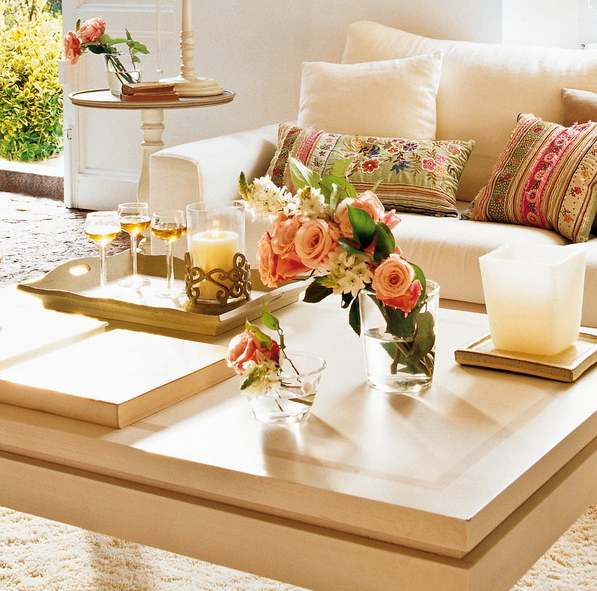 stylish-and-practical-coffee-table-decor-ideas-23