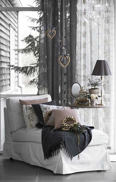 ways-to-spruce-up-your-living-room-for-winter-15
