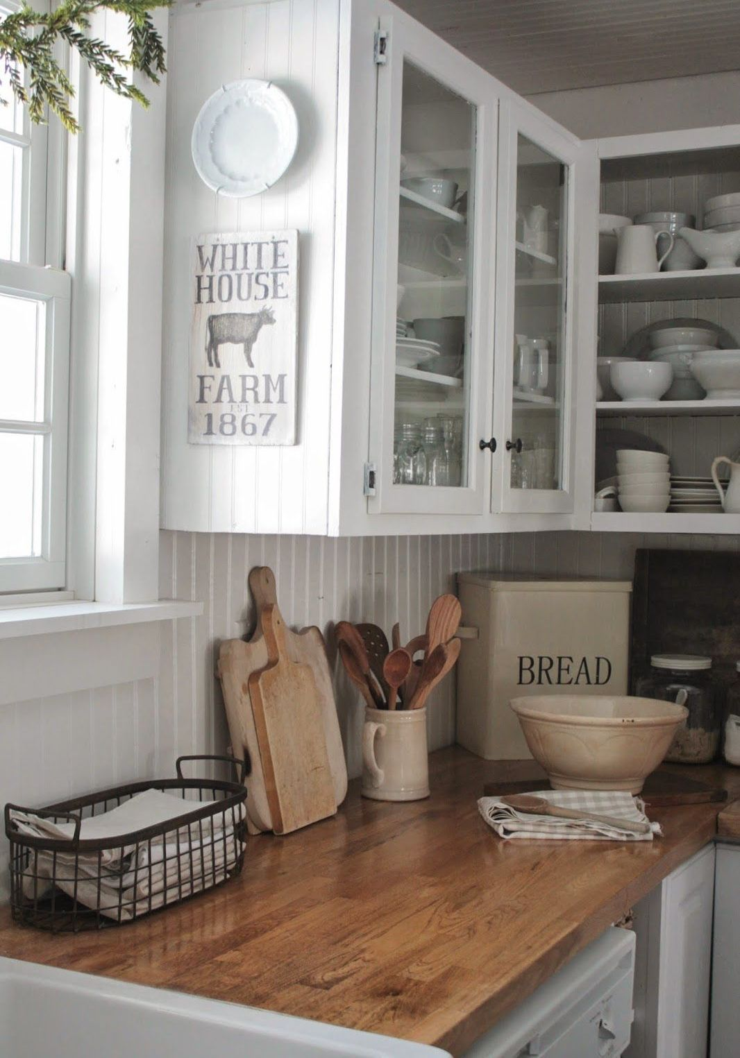 easy-tips-for-creating-a-farmhouse-kitchen-18