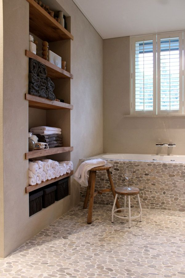 ideas-to-give-your-bathtub-a-new-look-with-creative-siding-17