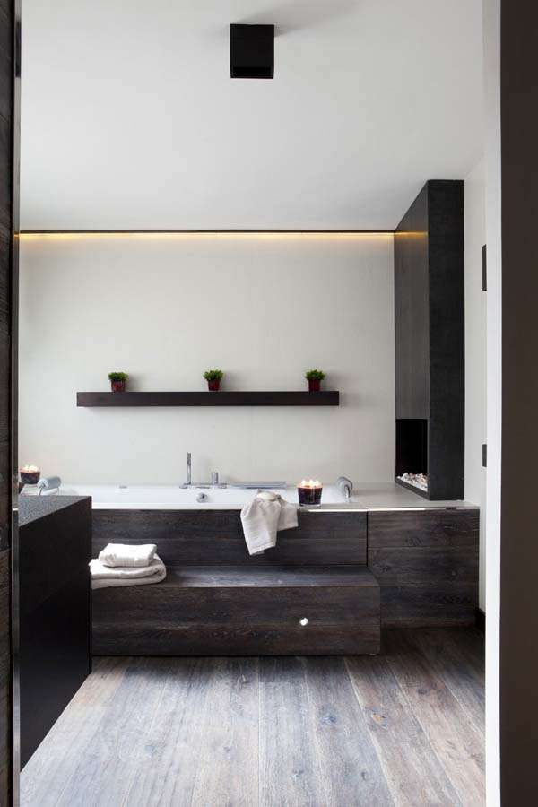 ideas-to-give-your-bathtub-a-new-look-with-creative-siding-2